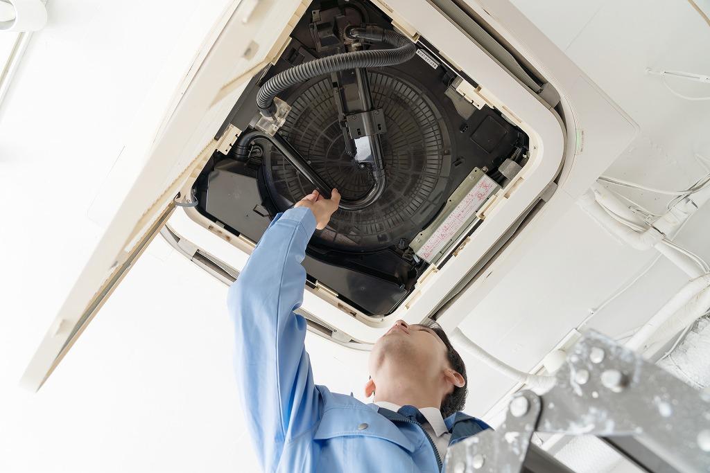 天吊りエアコンの施工で空間を有効活用