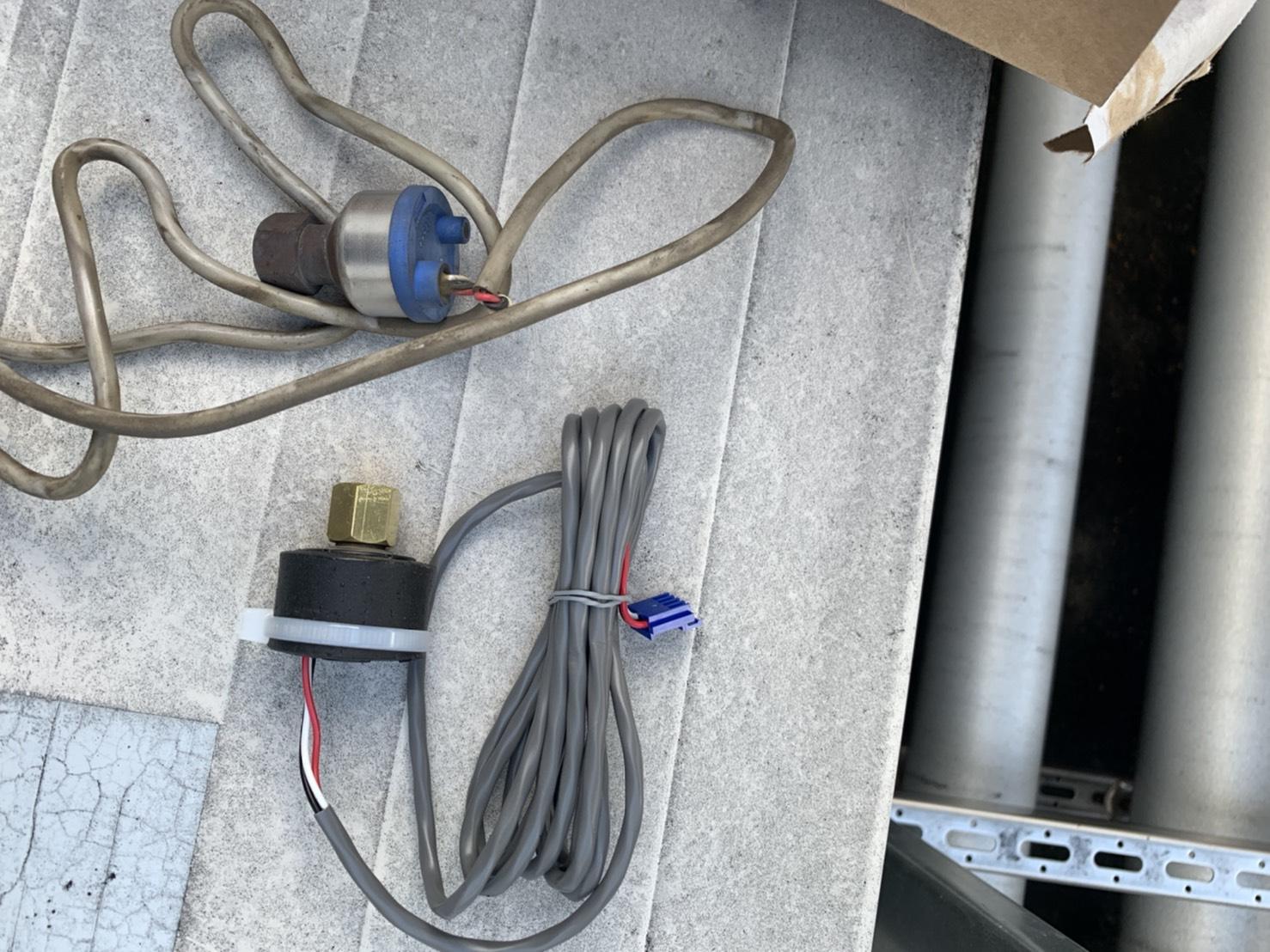低圧センサー交換作業